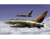 Trumpeter 01650 F-100F Super Sabre (1:72)