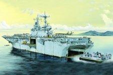 Hobby Boss 83403 USS Essex LHD-2 1/700