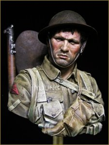 Young Miniatures YM1837 British Infantryman Somme 1916 1/10
