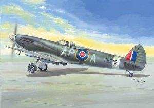 """AZ Model AZ7633 Spitfire HF.Mk.IX """"Bubble canopy"""" 1/72"""