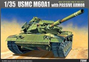 Academy 13271 M60 A1 USMC z napędem 1/35