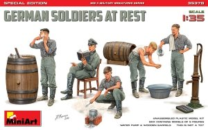 MiniArt 35378 GERMAN SOLDIERS AT REST. SPECIAL EDITION 1/35