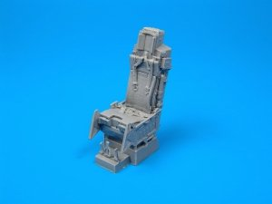 Quickboost QB32002 F-16 ejection seat with safety belts 1/32