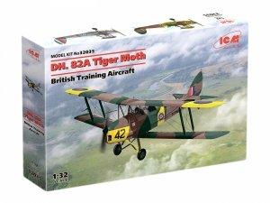 ICM 32035 DH.82 Tiger Moth British Training Aircraft 1/32