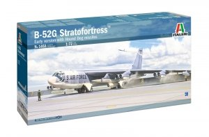 Italeri 1451 B-52G Stratofortress Early version with Hound Dog Missiles 1/72