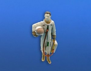 CMK F48363 US pilot with full pressure suit (for SR-71, U-2 and other planes) 1/48