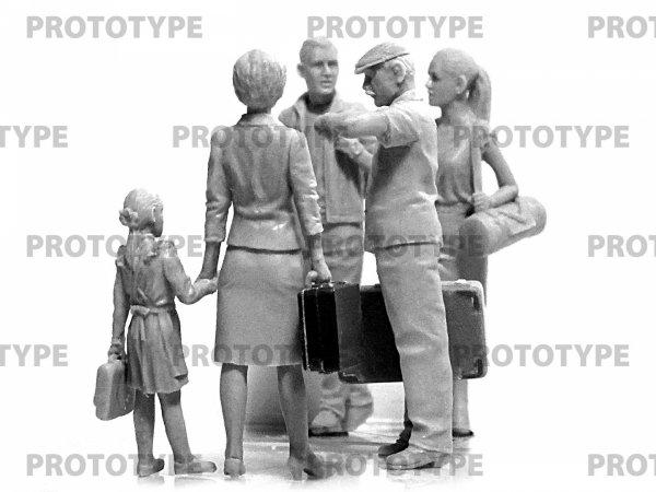 ICM  35905 Chernobyl#5. Evacuation 1/35