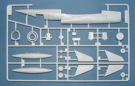 Trumpeter 01605 North American F-107A Ultra Sabre (1:72)