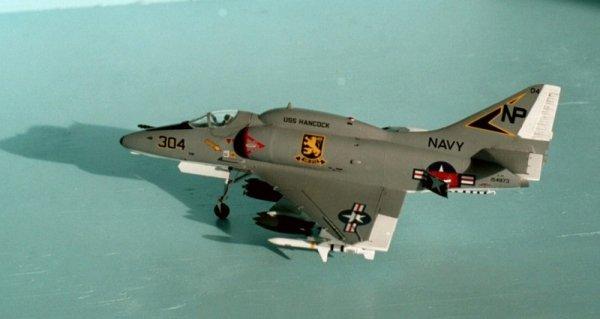 Hasegawa B9 A-4E/F Skyhawk (1:72)