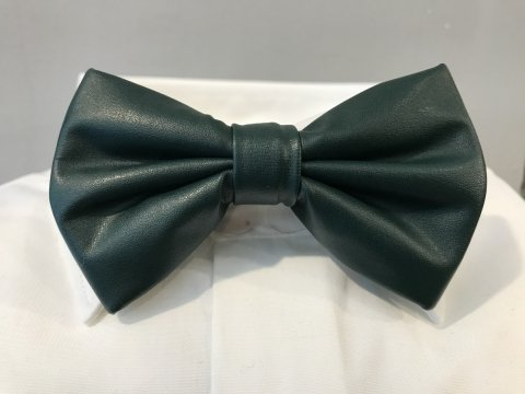 Papillon verde in ecopelle - Farfalla elegante - cravattino pre annodato -  Shop Gogolfun.it