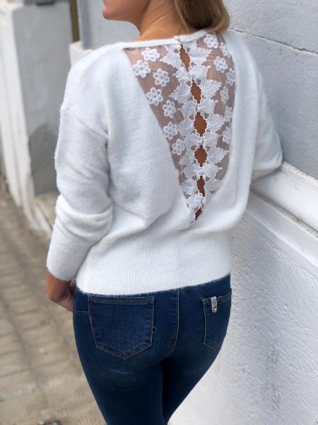 Sweter damski, w  kolorze białym - Odkryte plecy - Odzież damska - Gogolfun.pl