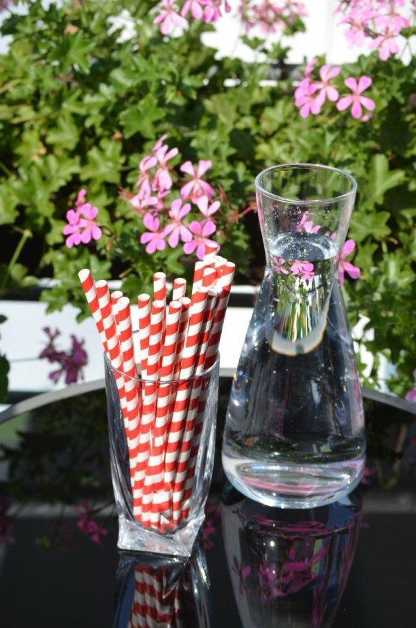 Słomki, rurki w kolorowe paski do napojów