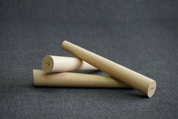 Noga drewniana do mebli 32 B /stożek skos/