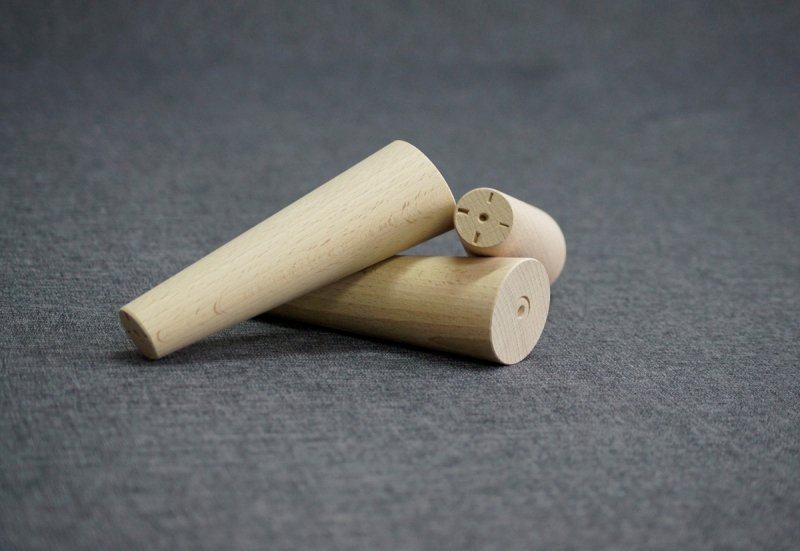 Noga drewniana do mebli 16 B /stożek skos/