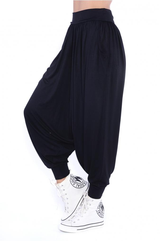 Spodnie-damskie-PLUS-SIZE-luzne-sportowe-HAREMKI-dlugie-nogawki-czarne-bok