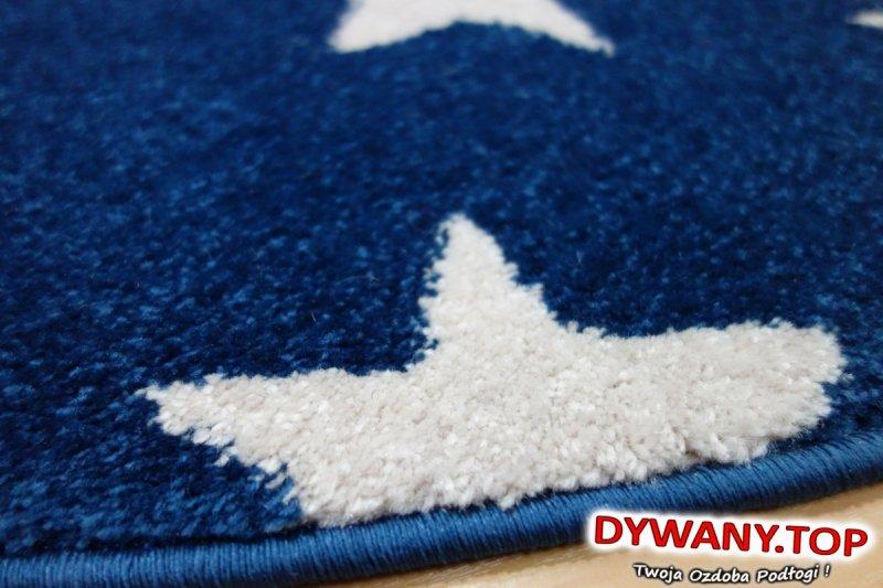 dywan z gwiazdkami