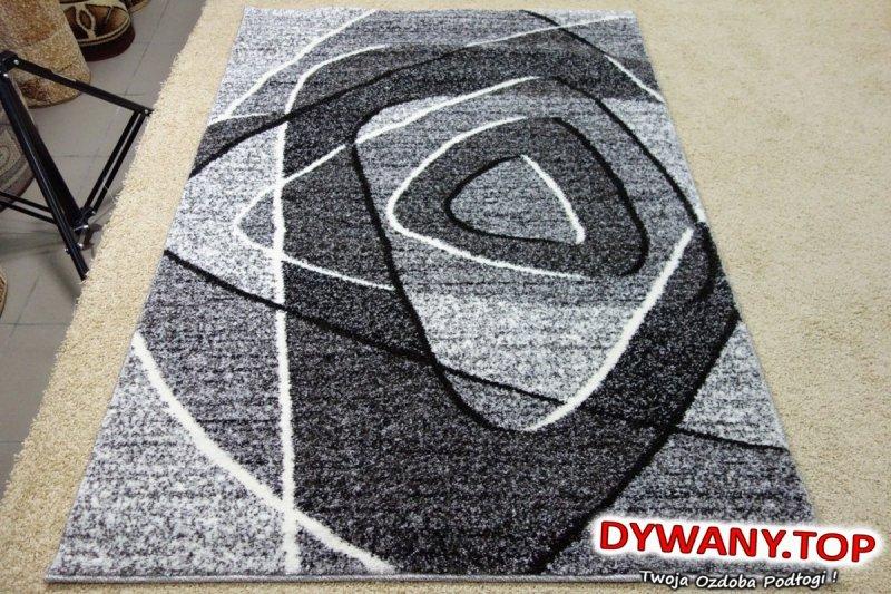 nowoczesny dywan z łuszczowa