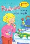 Paulinka już umie myć ząbki