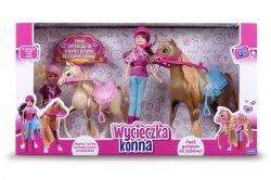 Lalka Natalia na wycieczce konnej