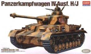 Academy Panzerkampfwagen Ausf. IV H/J