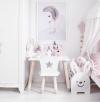 Stolik dla dziecka z zamkiem