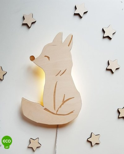 Drewniana lampka nocna Lisek