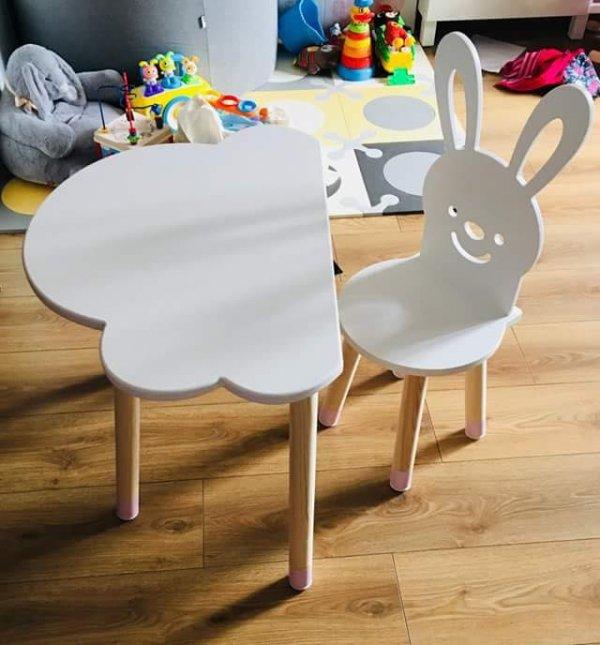 Stolik dla dziecka chmurka