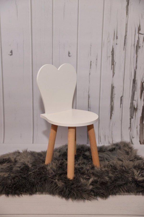 Komplet stoliczek biały i krzesełko serduszko białe