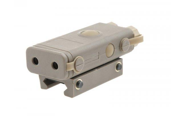 Replika PEQ 10 z celownikiem laserowym i latarką - tan