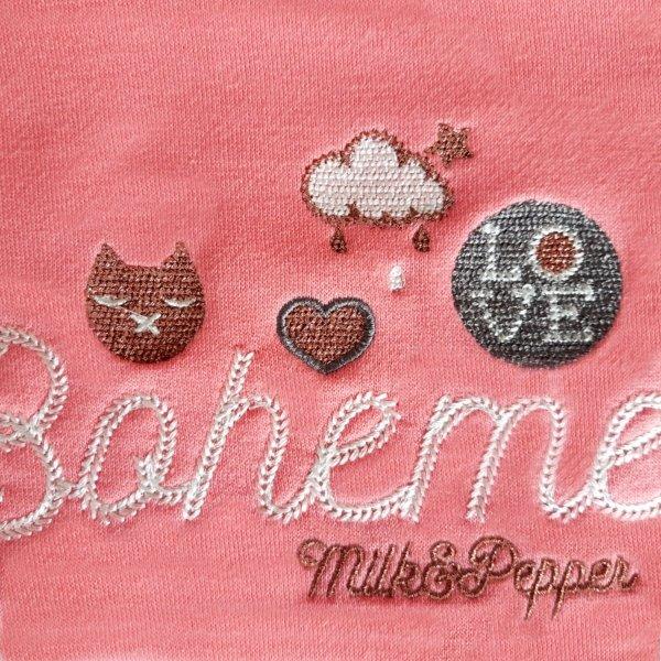 różowa bluza dla psa z kapturem i pomponem od Milk & Pepper