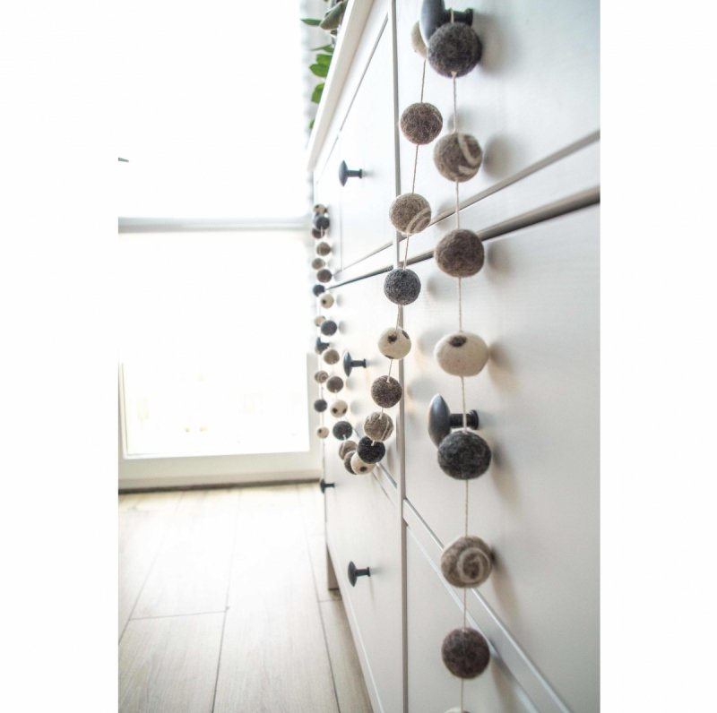 Felt Ball Garland GRAY EMBROIDERED 200cm/78in