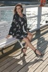 Dziewczęca sukienka we wzory L275 czarny w kwiatki