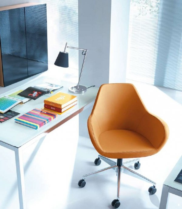 FAN 10T chrom o fotel obrotowy fotel biurowy na kółkach PROFIM Biurokoncept
