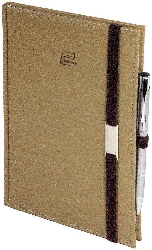 Notes A4 z długopisem zamykany na gumkę z blaszką - papier biały w kratkę *** - oprawa Nebraska beżowa (gumka brązowa)