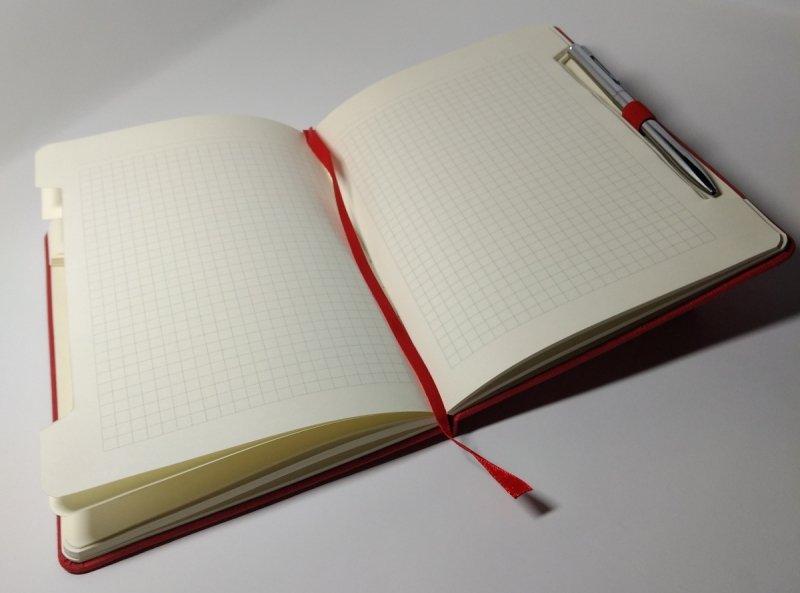Notes A5 papier chamois w kratkę - przykładowa kartka z notatnika