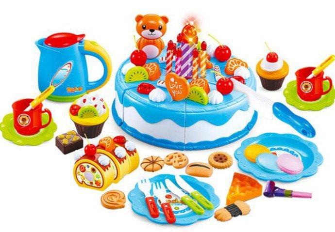 Tort-Urodzinowy-do-Krojenia-Kuchnia-80-el.-Niebie