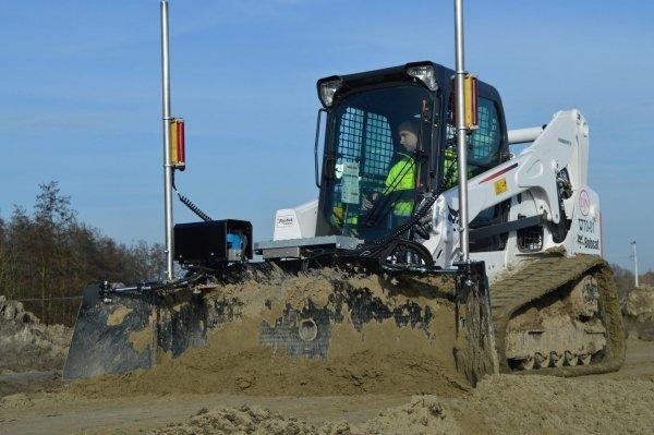 AP Powerblade lewler profiler niwelacji terenu na ładowarkę gąsienicową