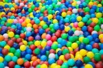 Basen z piłeczkami – nie tylko zabawa