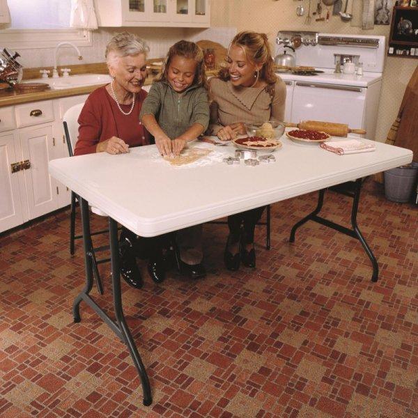 Komercyjny stół składany 152 cm (migdałowy) 80165