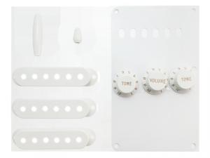 Komplet plastików FENDER 0991362000 (WH)