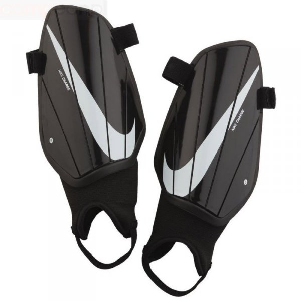Nagolenniki Nike NK Charge GRD SP2164 010 czarny M