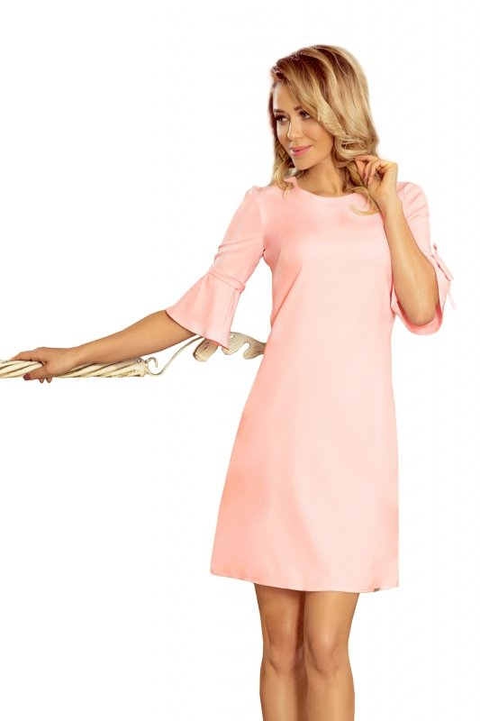 Trapezowa sukienka z rozkloszowanymi rękawkami Newa- Pastelowy Róż - numoco 217-4