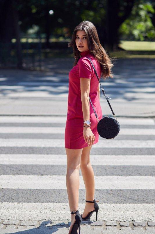 Klasyczna sukienka z chokerem Elena - Bordo - Ivon