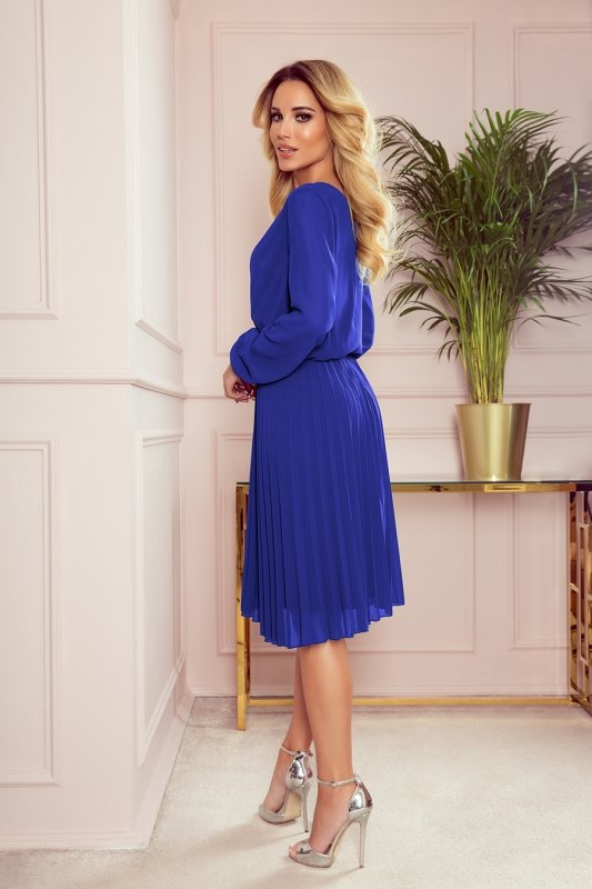 ISABELLE Plisowana sukienka z dekoltem i długim rękawkiem - Chaber