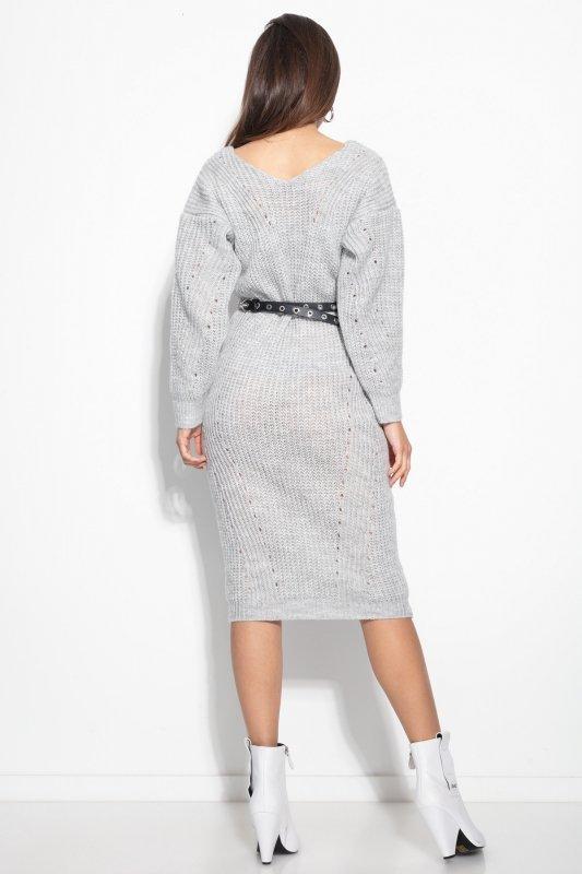 Dzianinowa sukienka z dekoltem F1101