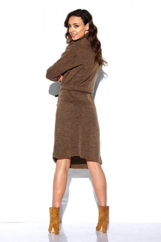 Sweterkowa sukienka z golfem i kieszeniami - StreetStyle LS257- capucino-4