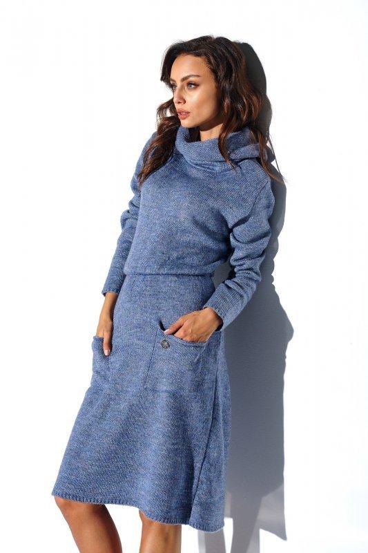 Sweterkowa sukienka z golfem i kieszeniami - StreetStyle LS257- jeans-1