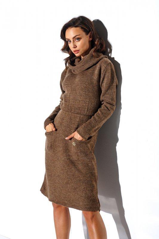 Sweterkowa sukienka z golfem i kieszeniami - StreetStyle LS257- capucino-2