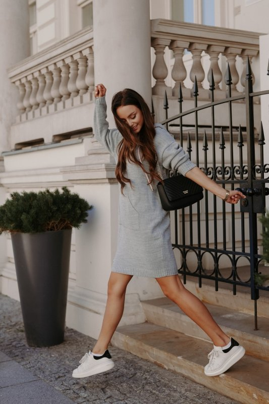 Swetrowa sukienka sportowa z kieszenią -  LSG132 - jasnoszary-1
