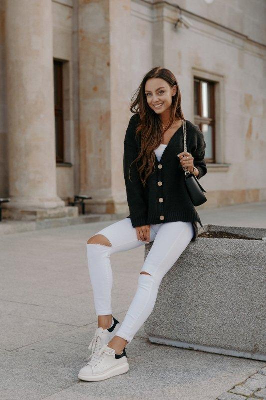 Sweter z guzikami i dłuższym tyłem - LS307-czarny -3